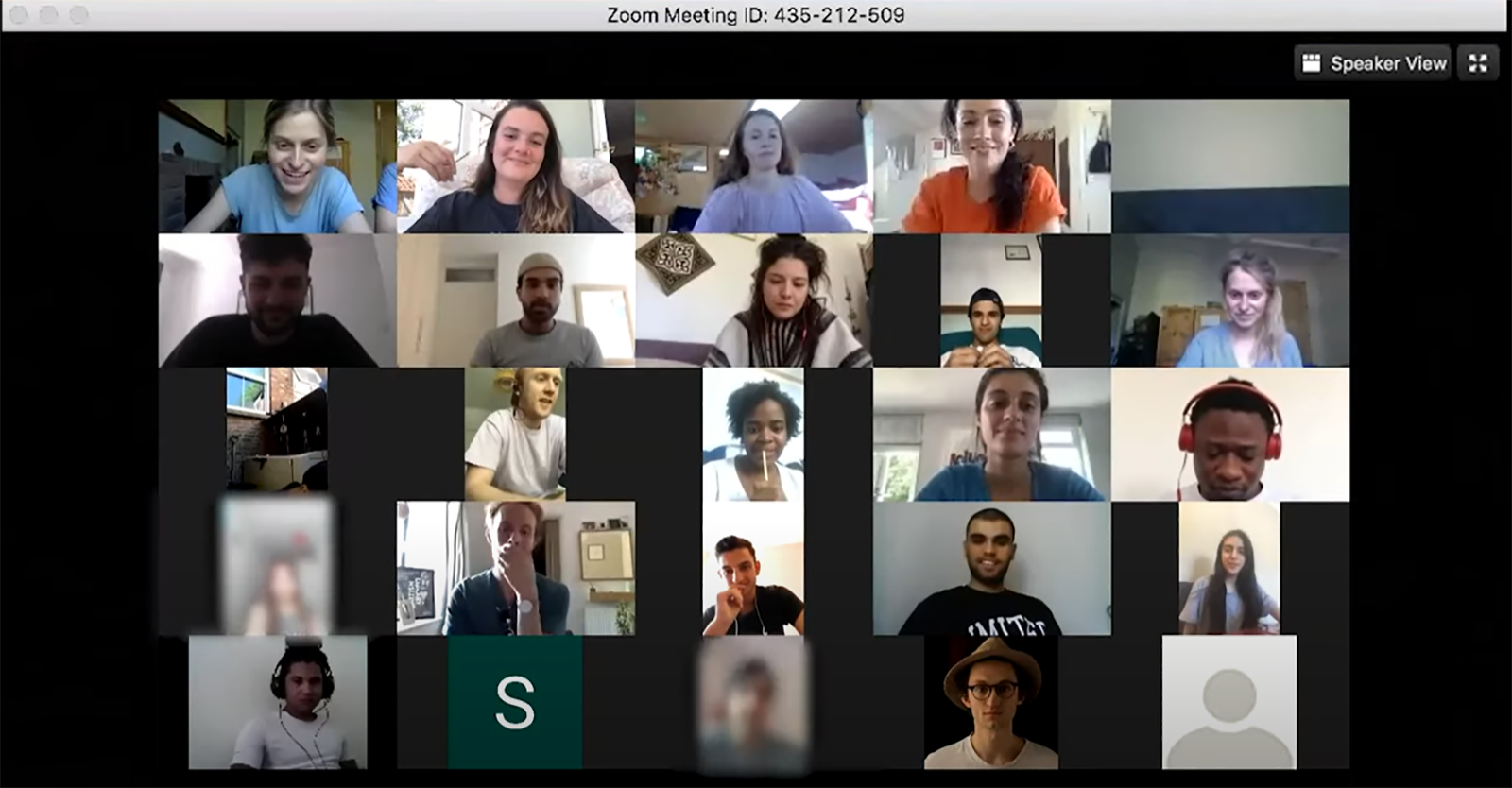 A screengrab of an online Zoom session, with thumbnails of different attendees.